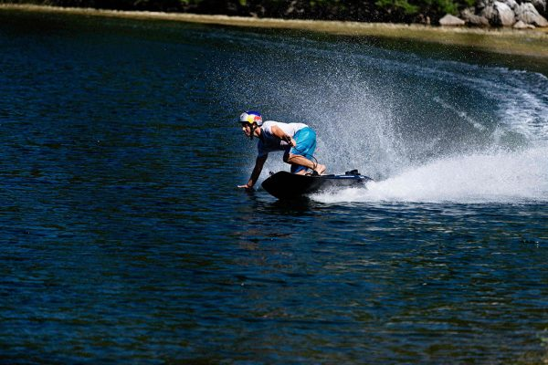 Jetsurf_electric_action